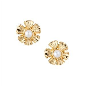 Kenneth Jay Lane NWT Pearly Flower Earrings gold